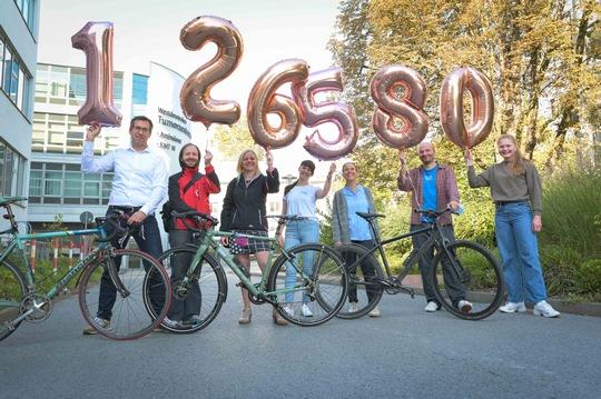 Radfahren für guten Zweck mit Spendenrekord: 16. Sarkomtour freut sich über 126.580 Euro für Krebsforschung